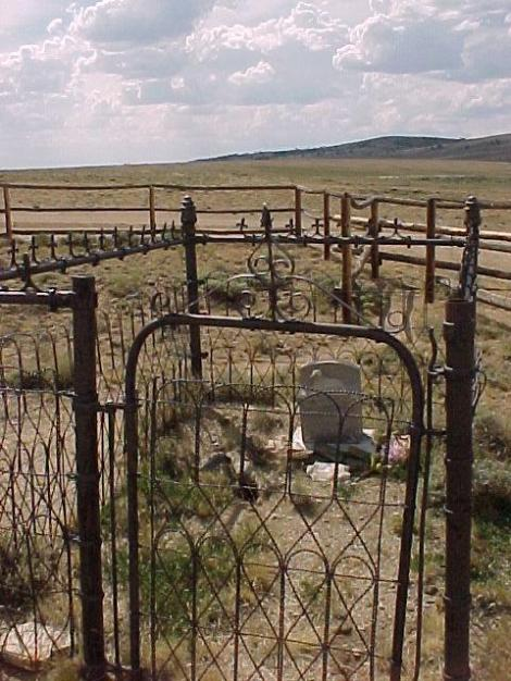 Grave on the Oregon Trail